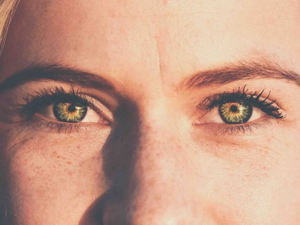 COLOURED CONTACT LENSES: EVERYTHING YOU NEED TO KNOW coloured contact lenses - Thumbnail 1 5 - COLOURED CONTACT LENSES: EVERYTHING YOU NEED TO KNOW