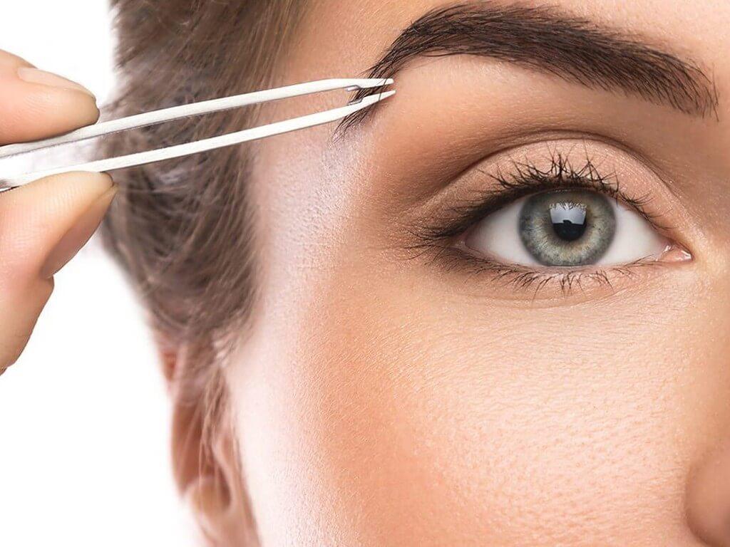 GROOMING EYEBROWS: WAYS TO GROOM EYEBROWS grooming eyebrows - Tweezing  - GROOMING EYEBROWS: WAYS TO GROOM EYEBROWS