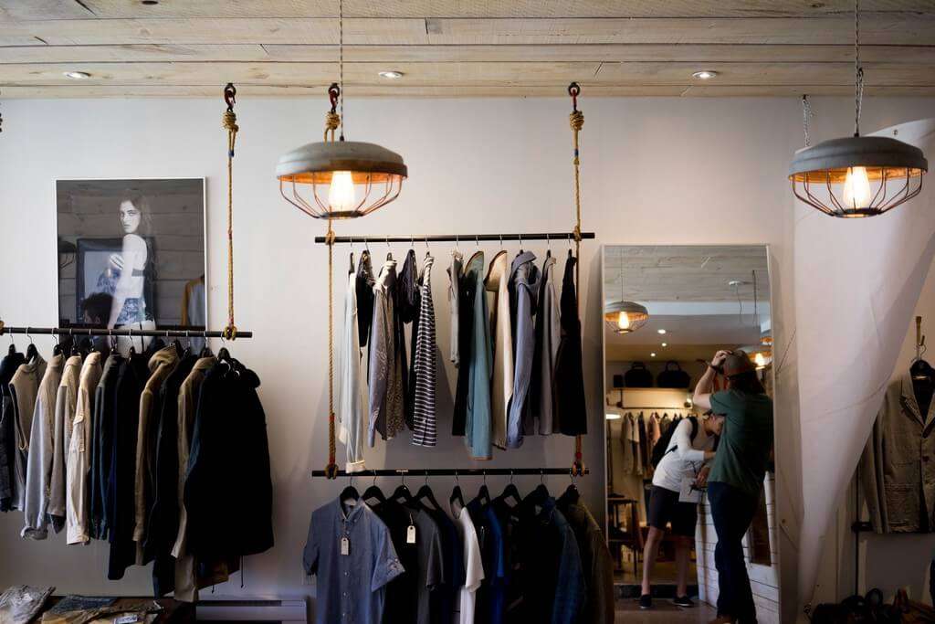 What is visual merchandising ? what is visual merchandising - Visual Merchandising 1 - What is visual merchandising ?