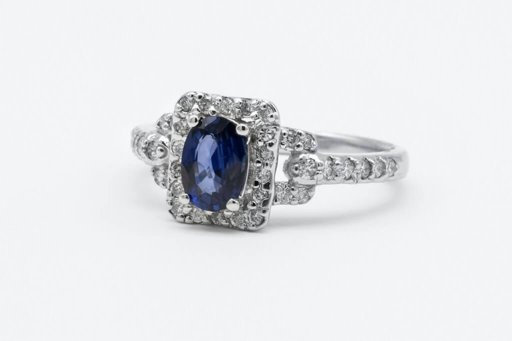 Coloured Diamonds – Look Beyond the Standard Colour coloured diamonds - Blue Diamond Ring - Coloured Diamonds – Look Beyond the Standard Colour
