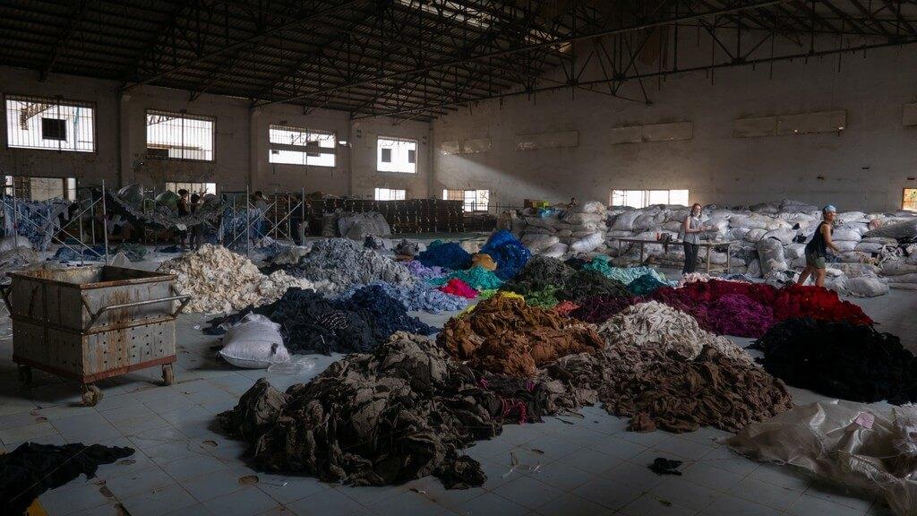 Fast fashion: its environmental impact fast fashion - Thumbnail Image Textile Waste - Fast fashion: its environmental impact