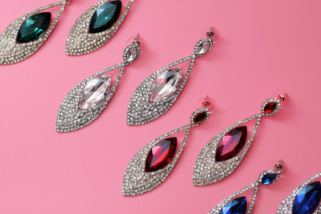 Chandelier Earrings: Elegance Personified chandelier earrings - Chandelier earrings 2 - Chandelier Earrings: Elegance Personified