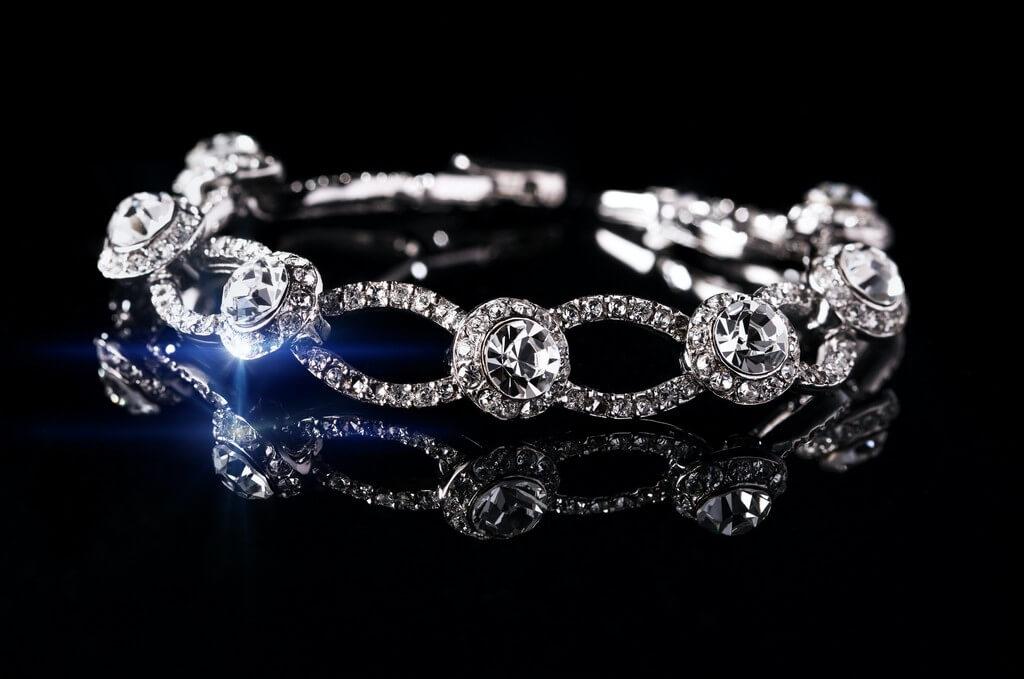 Bracelets – Not just a piece of jewellery bracelets - Diamond bracelet - Bracelets – Not just a piece of jewellery