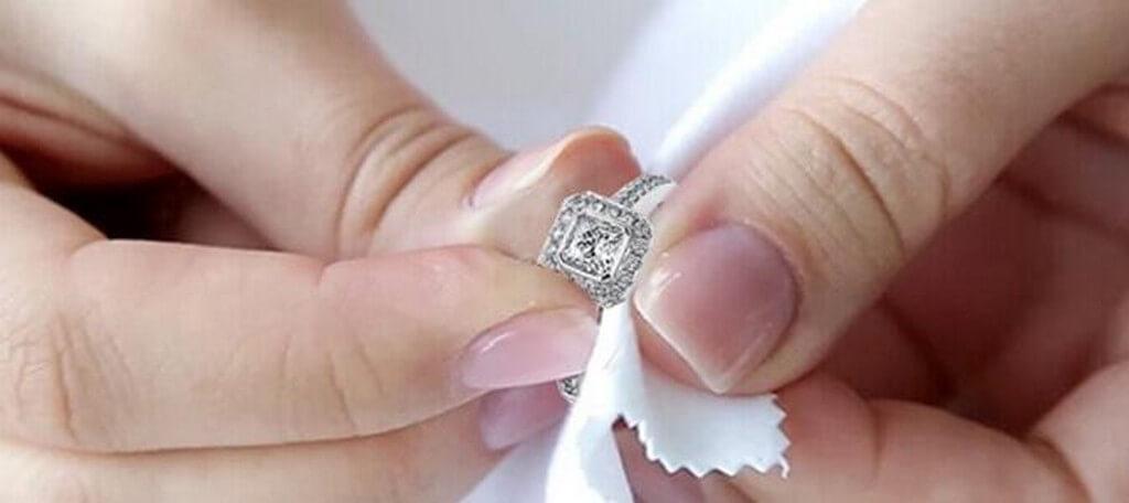 How to Clean Jewellery? how to clean jewellery? - Jewellery Cleaning cloth - How to Clean Jewellery?