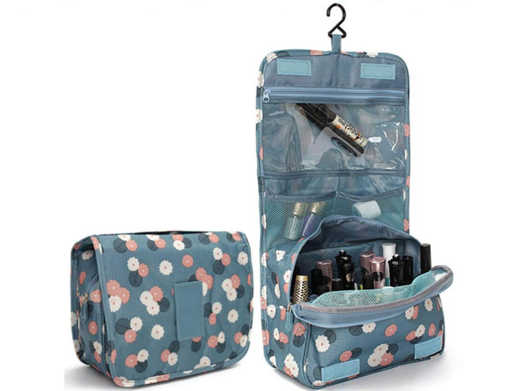 Makeup Bags That Are Travel-Friendly makeup bags - Makeup Bags That Are Travel Friendly 10 1024x765 - Makeup Bags That Are Travel-Friendly