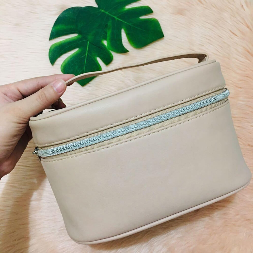 Makeup Bags That Are Travel-Friendly makeup bags - Makeup Bags That Are Travel Friendly 9 - Makeup Bags That Are Travel-Friendly