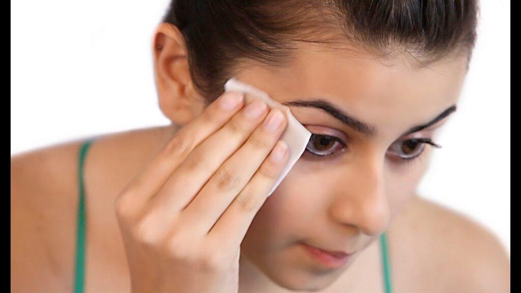 Makeup Remover: Guide 101 makeup remover - Makeup Remover Guide 101 1 - Makeup Remover: Guide 101