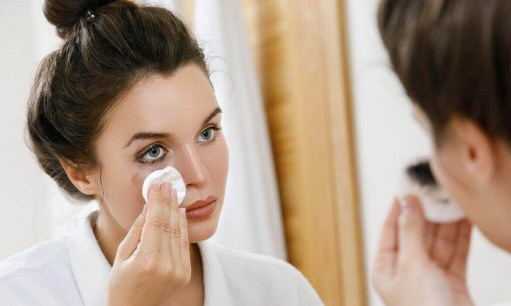 Makeup Remover: Guide 101 makeup remover - Makeup Remover Guide 101 Thumbnail - Makeup Remover: Guide 101