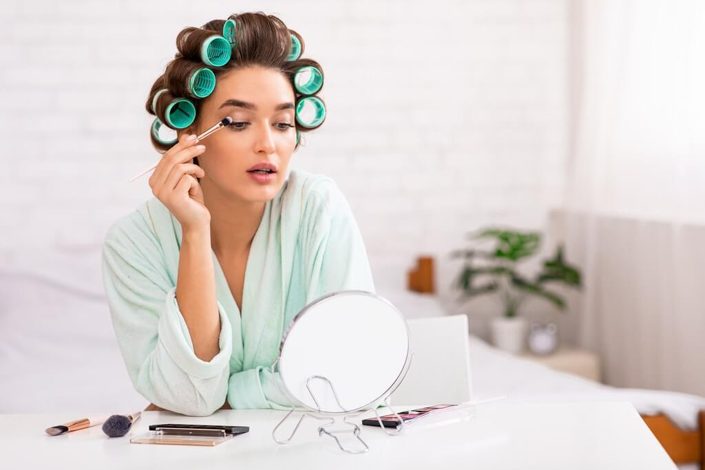 Removing eyelash extensions at home couldn't get any easier; here's how removing eyelash extensions - Removing eyelash extensions at home couldnt get any easier heres how 2 - Removing eyelash extensions at home couldn't get any easier; here's how