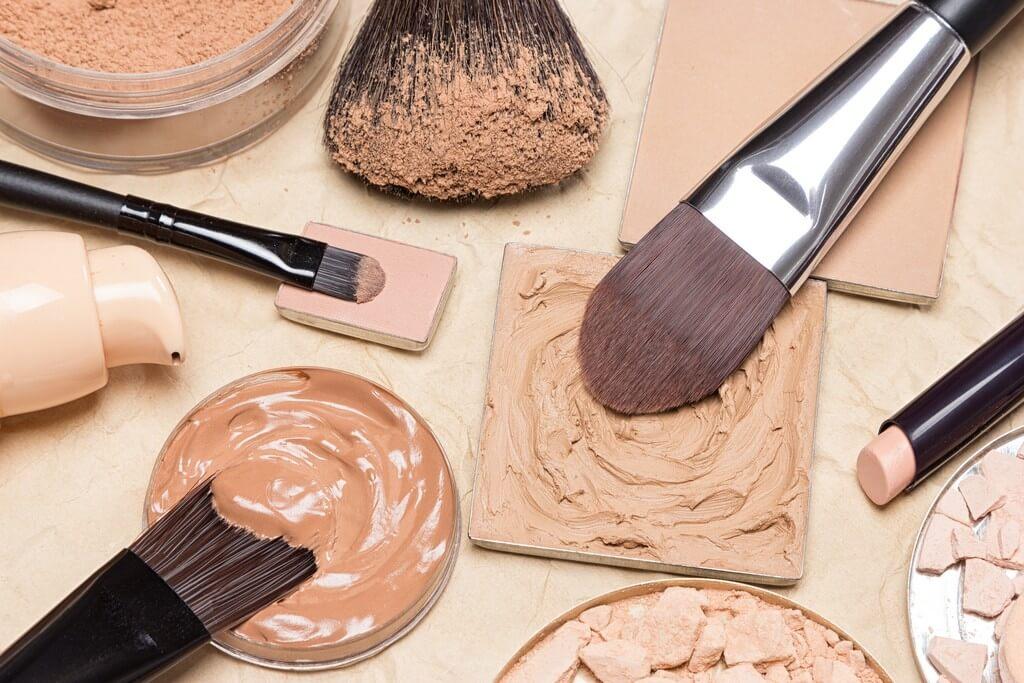 Sanitize your makeup: 5 ways to keep makeup kit tools bacteria-free sanitize your makeup - Sanitize your makeup 5 ways to keep makeup kit tools bacteria free 1 - Sanitize your makeup: 5 ways to keep makeup kit tools bacteria-free