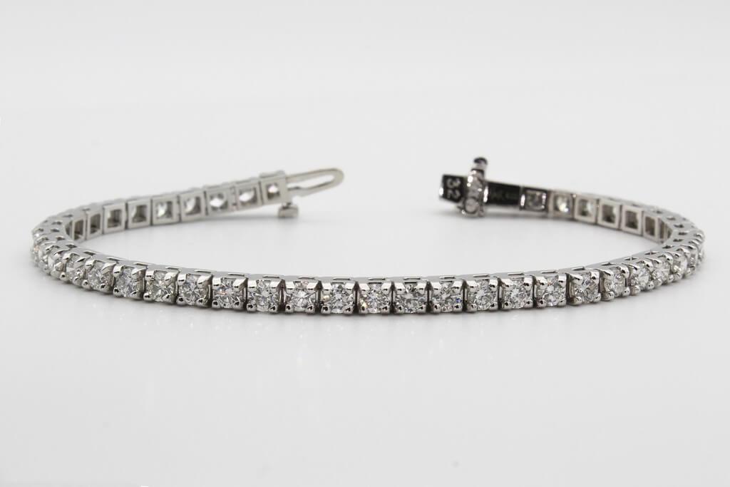 Bracelets – Not just a piece of jewellery bracelets - Tennis diamond bracelet - Bracelets – Not just a piece of jewellery