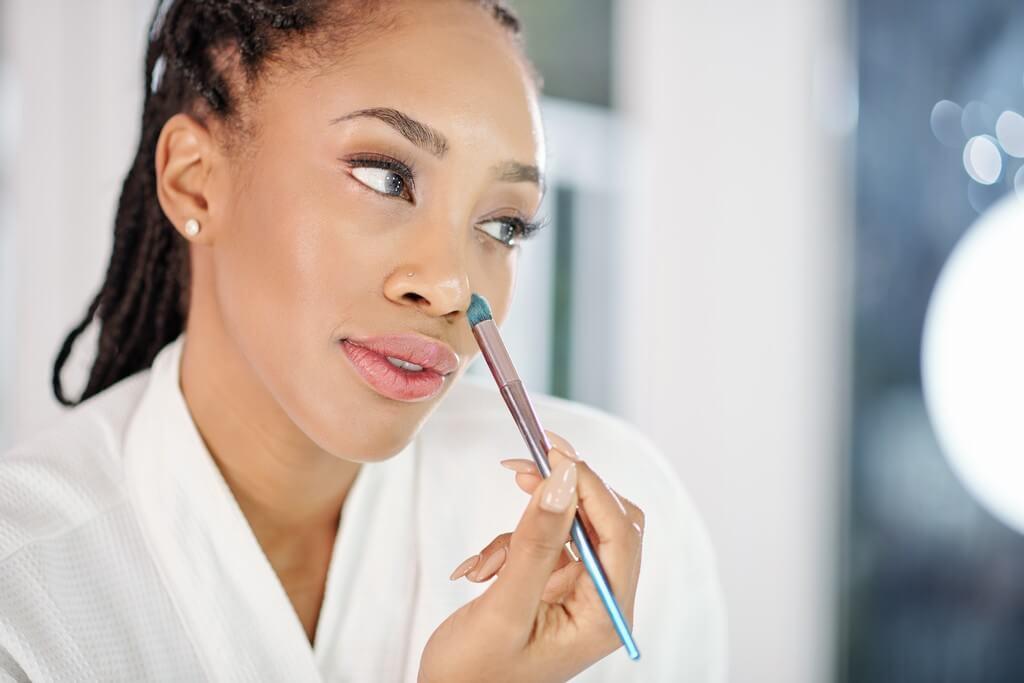 Tweezer nose contouring is the easiest makeup hack ever tweezer nose contouring - Tweezer nose contouring is the easiest makeup hack ever 3 - Tweezer nose contouring is the easiest makeup hack ever