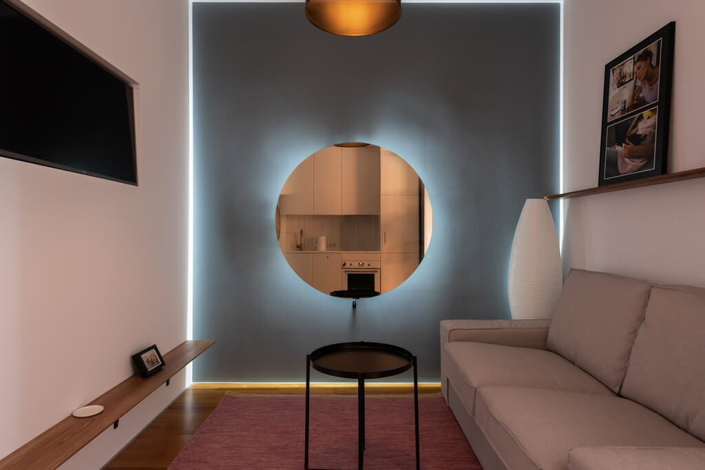 Different types of lighting are incorporated into a living room based on the needs and preferences of the clients. types of lighting - Types of lighting used in living room interior design 4 - Types of lighting used in living room interior design
