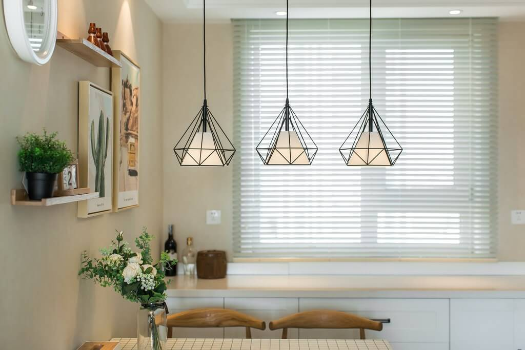 Different types of lighting are incorporated into a living room based on the needs and preferences of the clients. types of lighting - Types of lighting used in living room interior design 7 - Types of lighting used in living room interior design