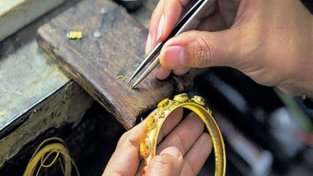Career as a Jewellery Designer career as a jewellery designer - Career as a Jewellery Designer 4 - Career as a Jewellery Designer