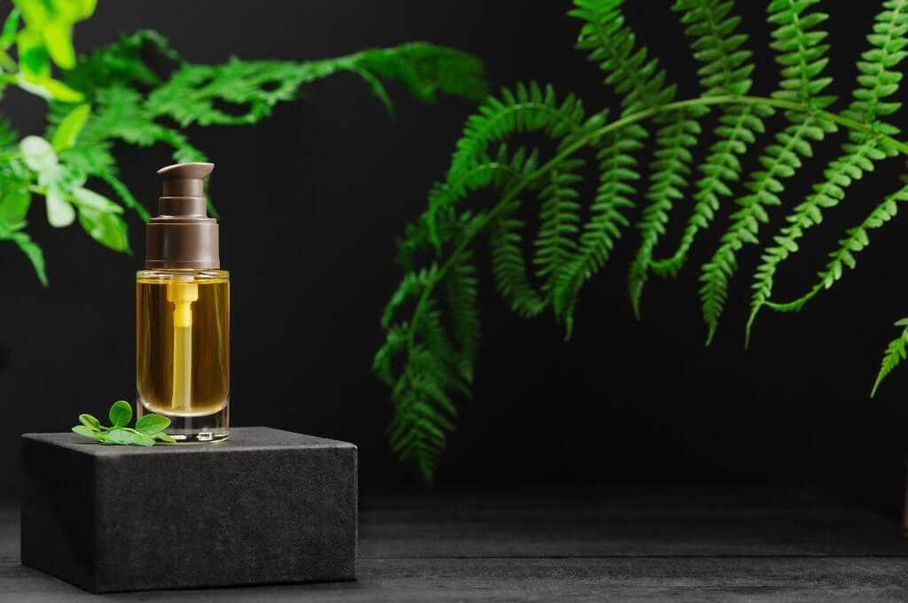 HAIR OILS: HOW IS IT BENEFICIAL?  hair oils - HAIR OILS HOW IS IT BENEFICIAL 1 - HAIR OILS: HOW IS IT BENEFICIAL?