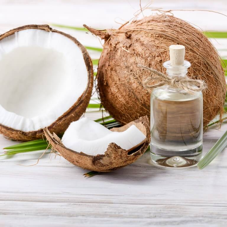 HAIR OILS: HOW IS IT BENEFICIAL? hair oils - HAIR OILS HOW IS IT BENEFICIAL 2 - HAIR OILS: HOW IS IT BENEFICIAL?