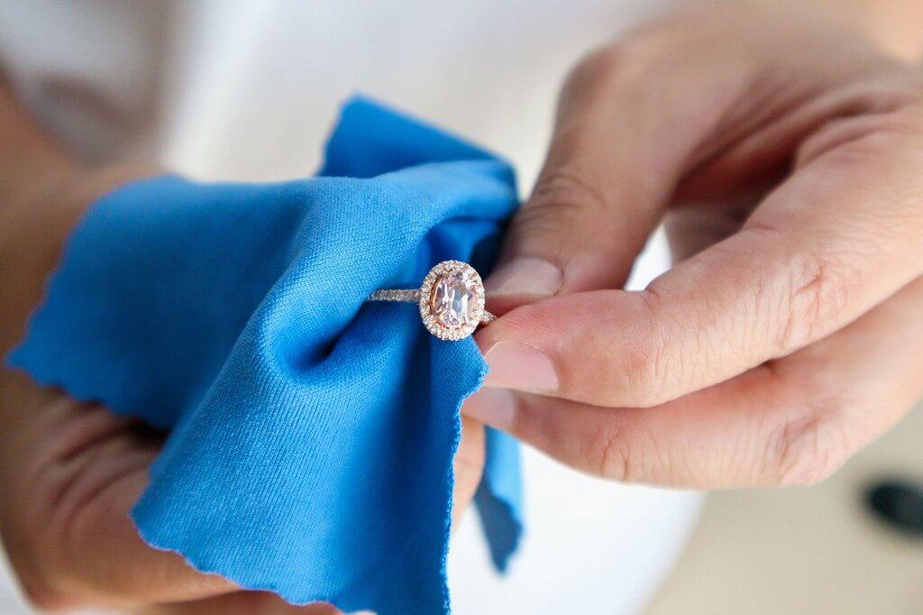 Silver Jewellery – Secrets to retain its shine silver jewellery - Silver Jewellery     Secrets to retain its shine 3 - Silver Jewellery – Secrets to retain its shine