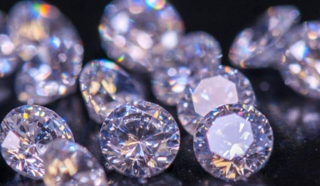 Synthetic Diamonds - Breakthrough Gem Material that beats Mined Diamonds synthetic diamonds - Synthetic Diamonds Breakthrough Gem Material that beats Mined Diamonds 2 - Synthetic Diamonds – Breakthrough Gem Material that beats Mined Diamonds