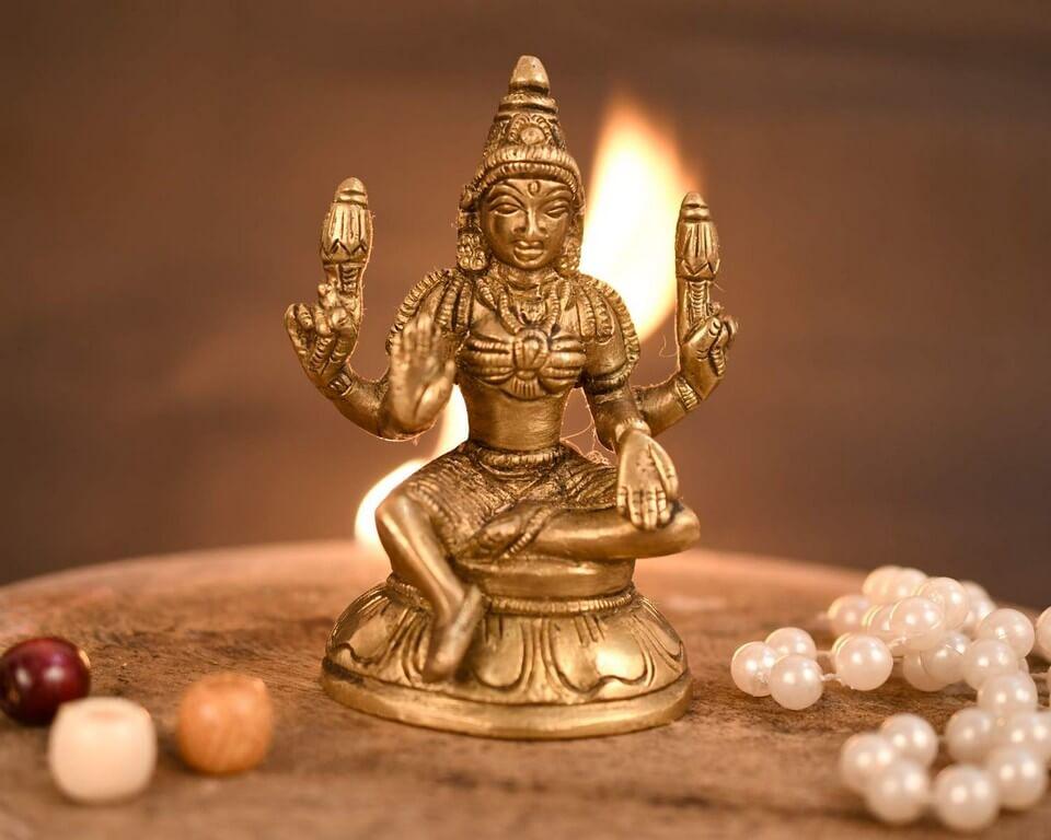 Varamahalakshmi Vratam: Origin, Decoration and food varamahalakshmi vratam - Varamahalakshmi Vratam Origin Decoration and food 3 - Varamahalakshmi Vratam: Origin, Decoration and food