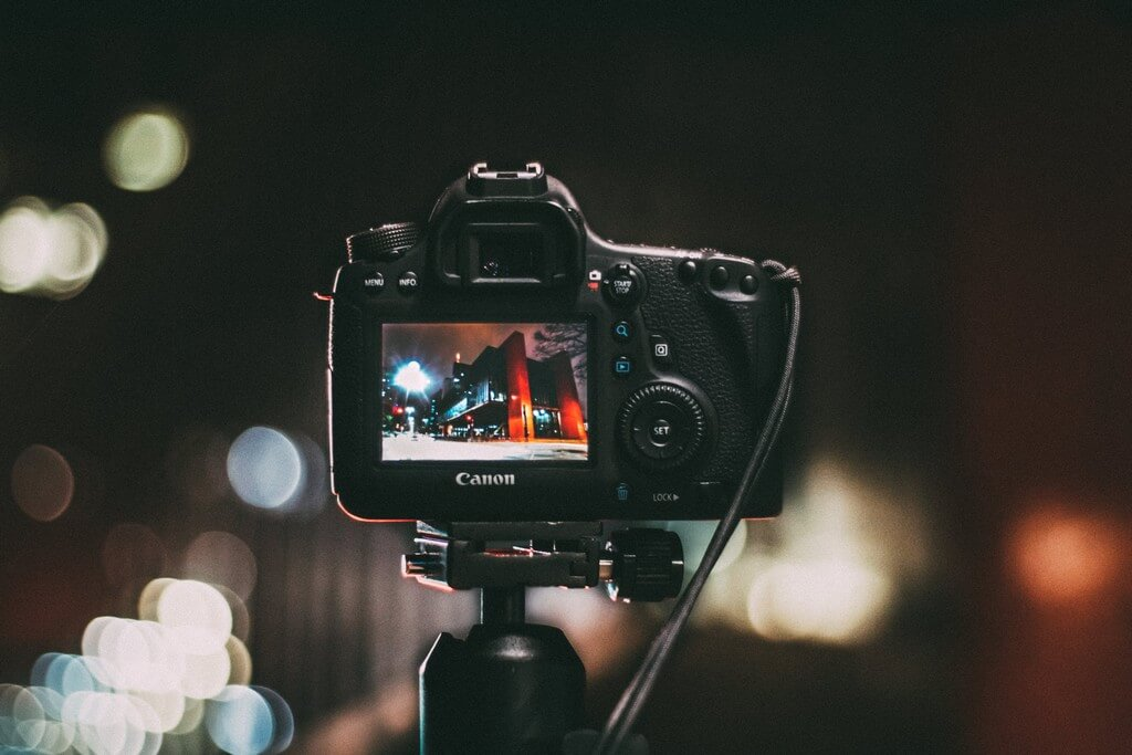 Digital Photography and its impact on the photo collection during recent times. digital photography - Digital Photography and the dynamics of Technology Innovation - Digital Photography and the dynamics of Technology Innovation