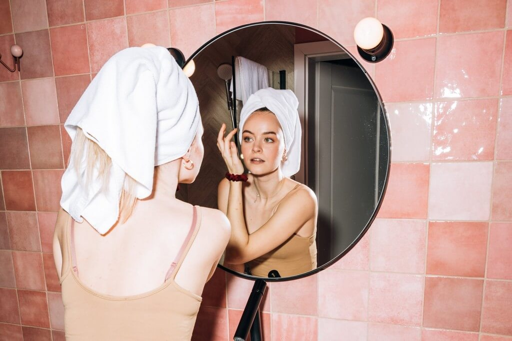 Facial steaming 5 right ways to cleanse and hydrate your skin facial steaming - Facial steaming 5 right ways to cleanse and hydrate your skin 3 - Facial steaming: 5 right ways to cleanse and hydrate your skin