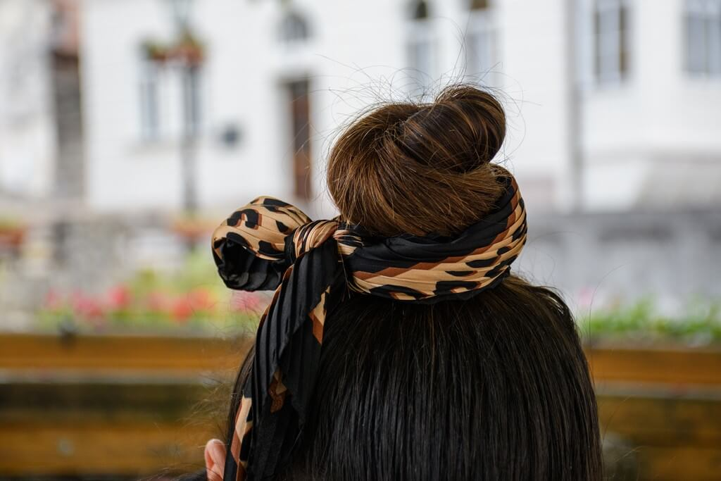 Silk scrunchies: Your go-to hair accessory through thick and thin silk scrunchies - Silk scrunchies Your go to hair accessory through thick and thin 1 - Silk scrunchies: Your go-to hair accessory through thick and thin