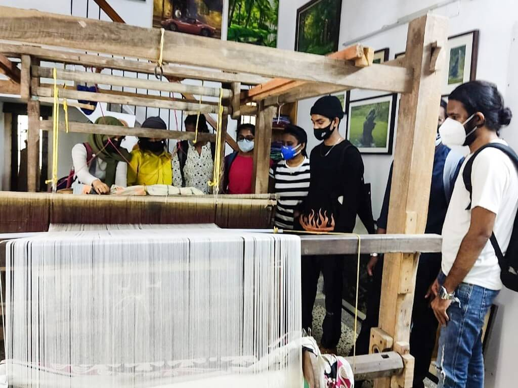 Industrial visit to Gramins Lifestyle was organised by JD Institute Cochin for the students pursuing Fashion Design to understand the working of a textile firm. industrial visit - Industrial Visit To Gramins Lifestyle JD Cochin 1 - Industrial Visit To Gramins Lifestyle: JD Cochin