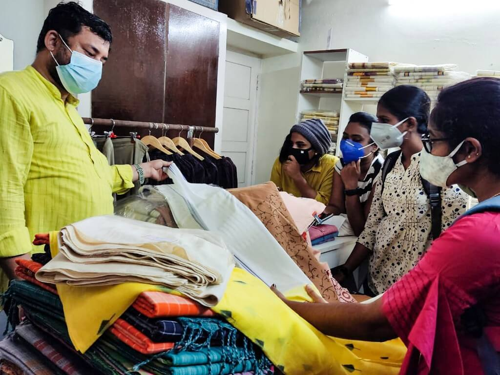 Industrial visit to Gramins Lifestyle was organised by JD Institute Cochin for the students pursuing Fashion Design to understand the working of a textile firm. industrial visit - Industrial Visit To Gramins Lifestyle JD Cochin 2 - Industrial Visit To Gramins Lifestyle: JD Cochin