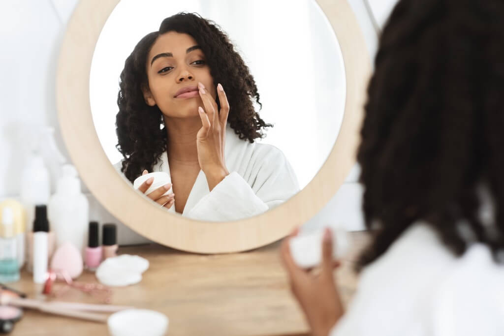 Lip care: 3-step routine to make your lips smooth and healthy  lip care - Lip care 3 step routine to make your lips smooth and healthy 2 - Lip care: 3-step routine to make your lips smooth and healthy