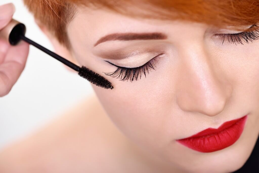 Mascara: Makeup lovers, what you need to know before applying mascara mascara - Mascara Makeup lovers what you need to know before applying mascara 4 - Mascara: Makeup lovers, what you need to know before applying mascara