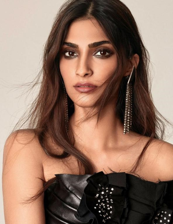 Sonam Kapoor - Evolution of a Fashion & Style Diva sonam kapoor - evolution of a fashion Sonam Kapoor – Evolution of a Fashion & Style Diva article on sonam kapoor