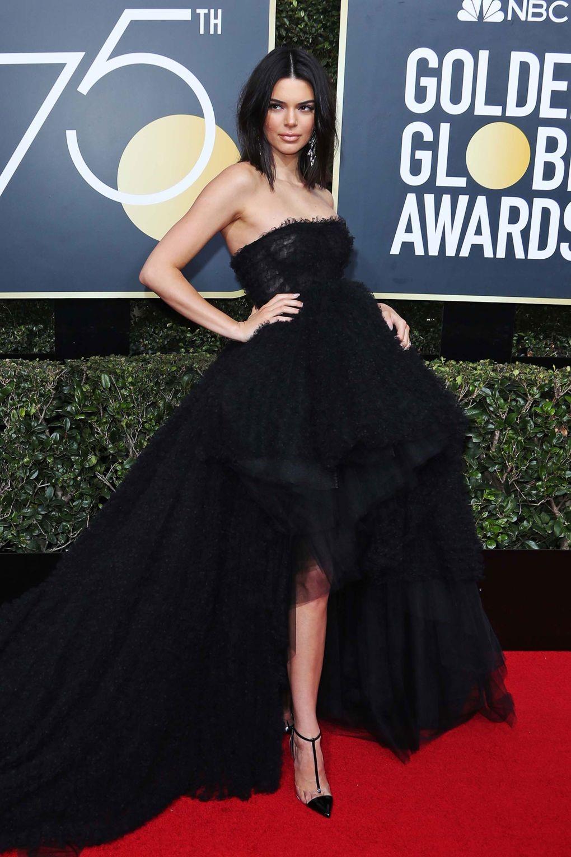 Kendall Jenner looked ravishing in this beautiful black Giambattista Valli golden globes 2018 JD's top 13 red carpet looks of Golden Globes 2018 13