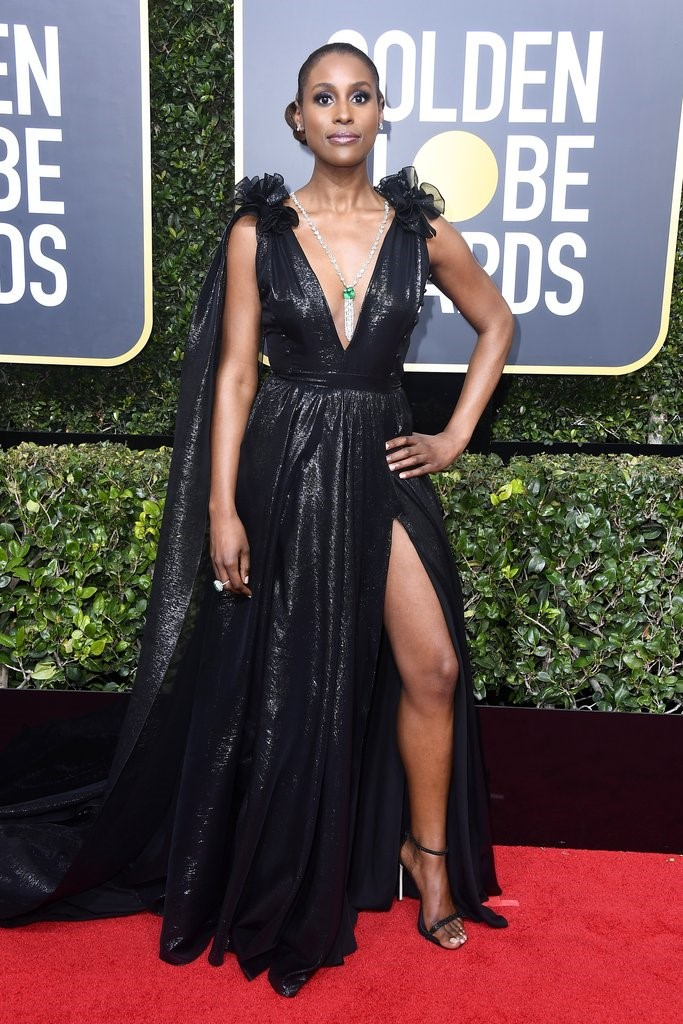 Issa Rae owned the night wearing a tailor-made Atelier Prabal Gurung gown, she had a Lorraine Schwartz Necklace to pair with this amazing gown. golden globes 2018 JD's top 13 red carpet looks of Golden Globes 2018 9