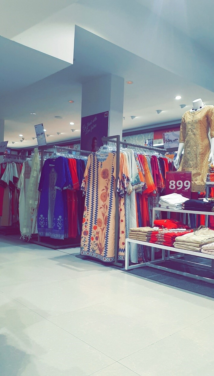 floor look internship journey of a jediiian at shoppers stop - floor look - Internship Journey of a JEDIIIAN at Shoppers Stop