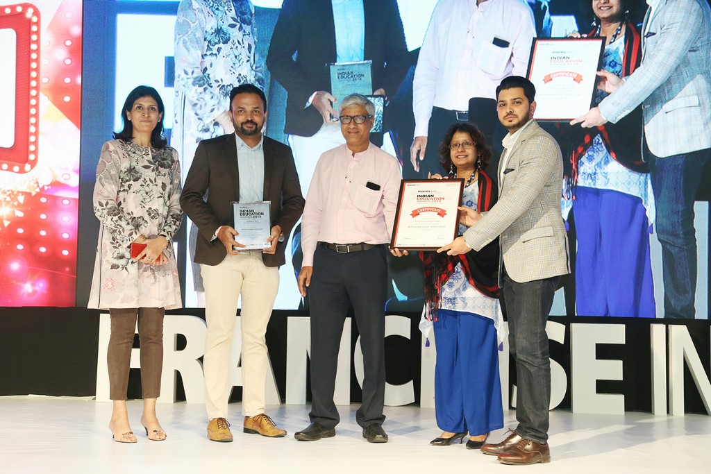 Indian Education Awards 2018 indian education awards Winner of Skill Learning for Fashion Design at Indian Education Awards Indian Education Award 2018 1