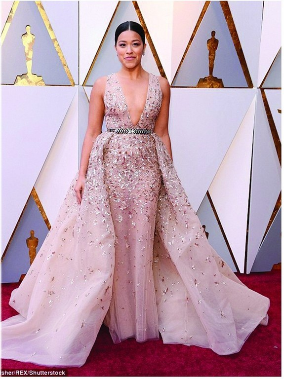 best dressed at the oscar 2018 red carpet - Gina Rodriguez - Best dressed at the Oscar 2018 Red Carpet