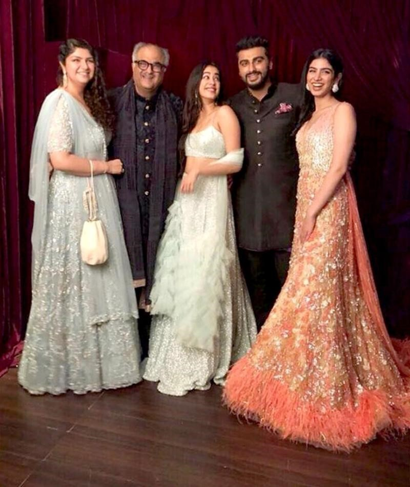 Who wore what Best Picks from Sonamkishaadi who wore what best picks from sonamkishaadi Who wore what Best Picks from Sonamkishaadi Family First