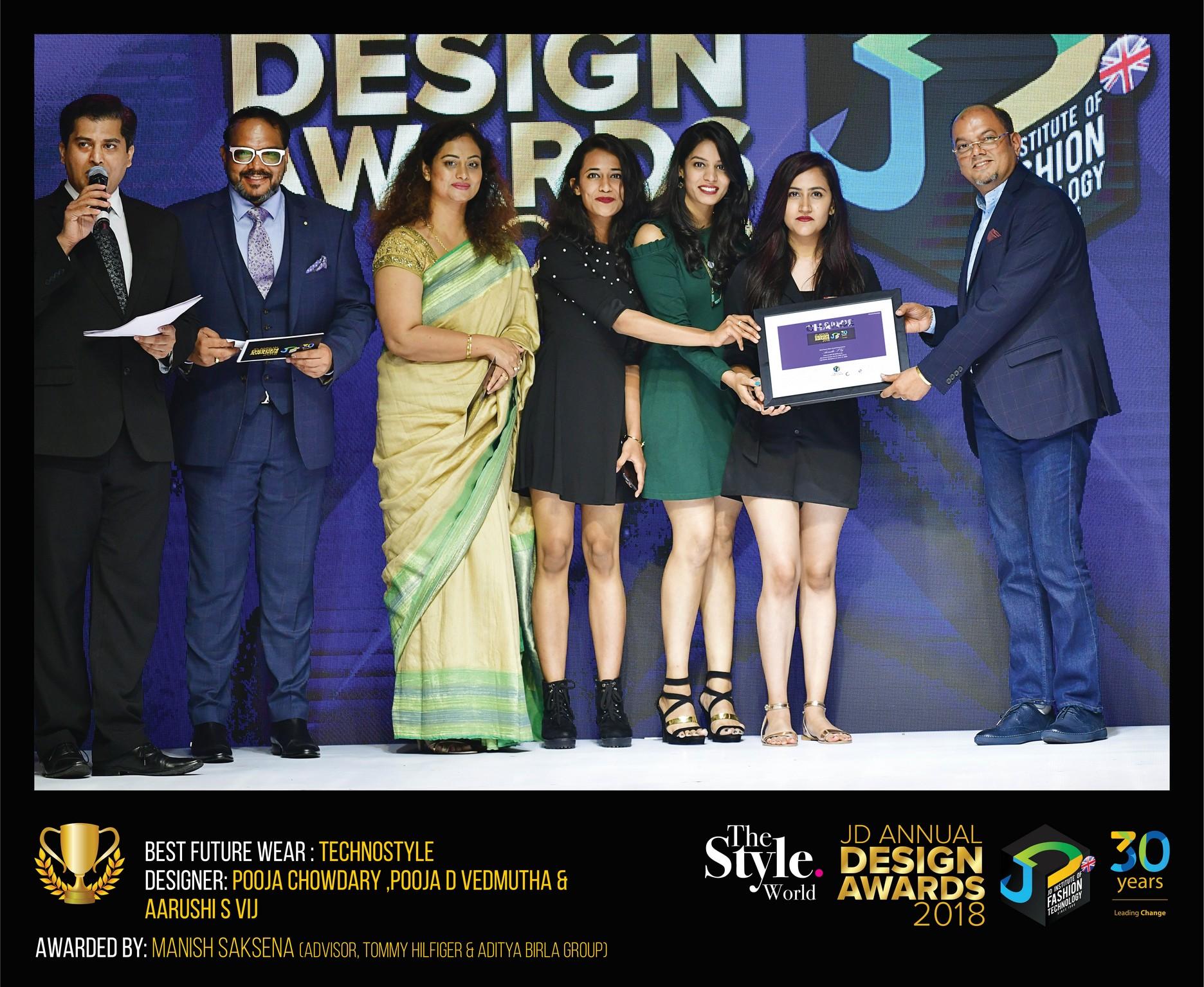 Techno style – Change – JD Annual Design Awards 2018 | Designer: M. Pooja, Pooja.D | Photography : Jerin Nath (@jerin_nath) techno style Techno style – Change – JD Annual Design Awards 2018 Technostyle8 final
