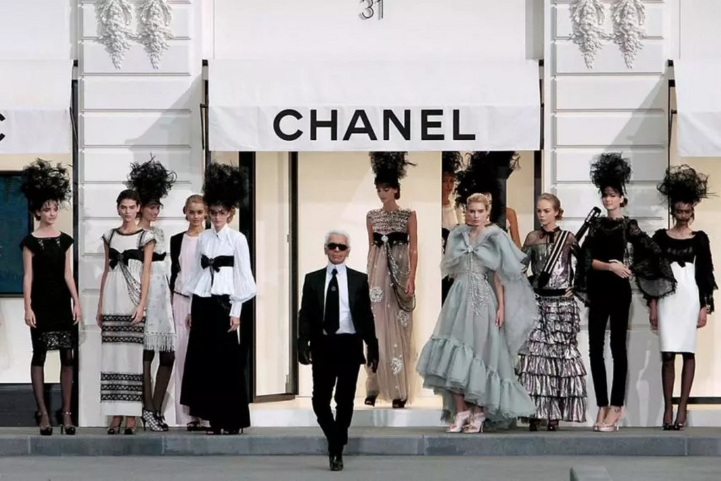 how karl lagerfeld changed - Karl Lagerfeld 1 - How Karl Lagerfeld Changed The Face Of 20th Century Fashion