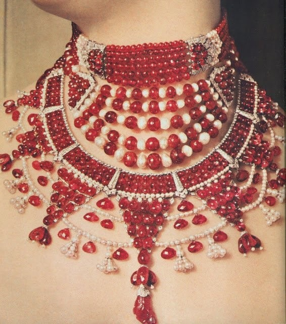 curated list of top 10 vintage royal pieces The Curated list of Top 10 vintage royal pieces of Jewellery of India Curated list 3