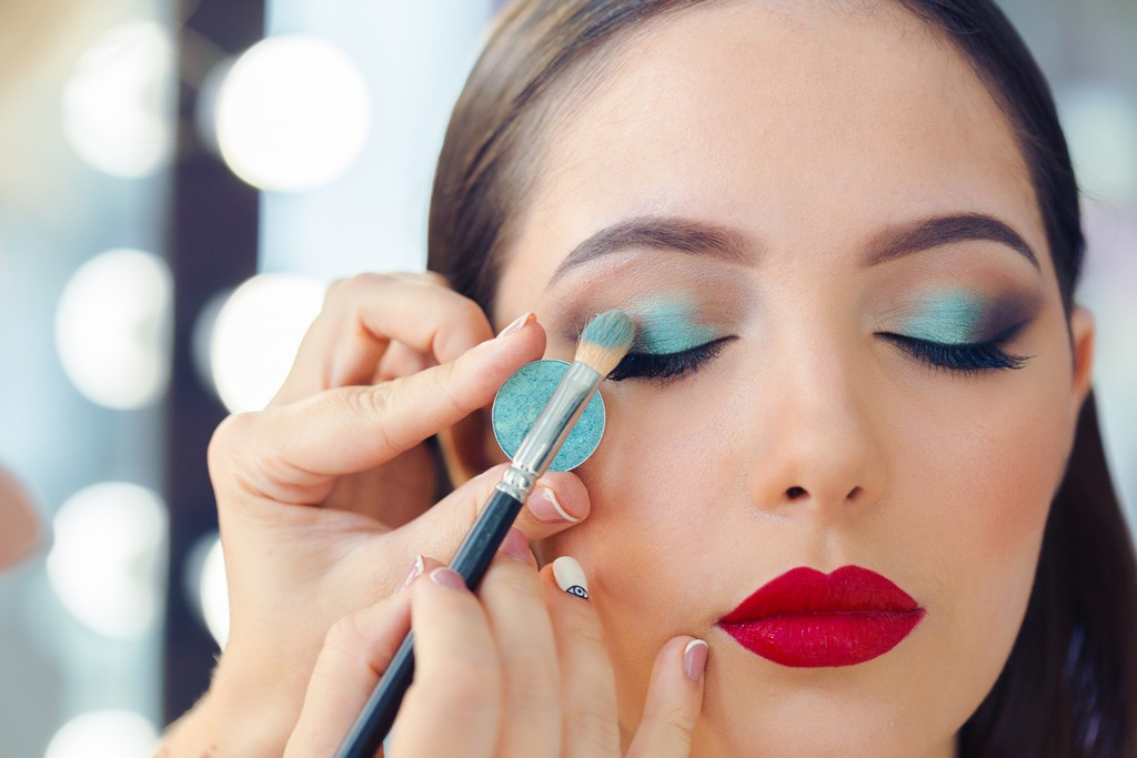 How to Become a Makeup Artist how to become a makeup artist - Become a Makeup Artist 1 - How to Become a Makeup Artist