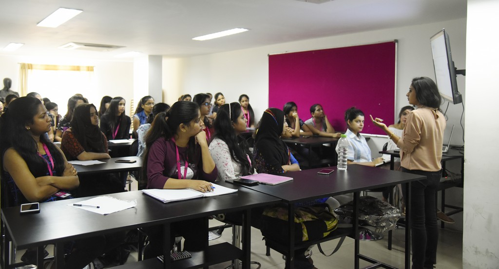 Guest Lecture for Fashion Communication guest lecture for fashion communication Guest Lecture for Fashion Communication and Fashion Business Management students' | JD Institute Guest Lecture for Fashion Communication 1