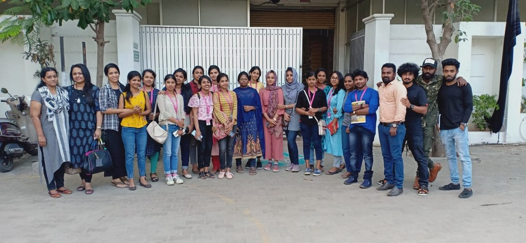 SKL Exports – Industry Visit by JD Institute of Fashion Technology skl exports - students group with HR - SKL Exports – Industry Visit  by JD Institute of Fashion Technology, Cochin