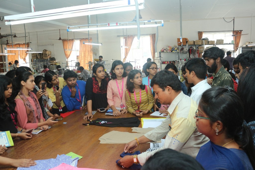 skl exports - students - SKL Exports – Industry Visit  by JD Institute of Fashion Technology, Cochin