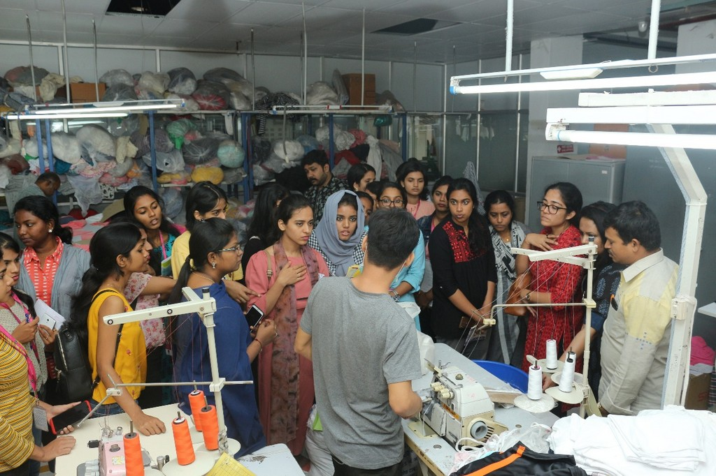 SKL Exports – Industry Visit by JD Institute of Fashion Technology skl exports - students1 - SKL Exports – Industry Visit  by JD Institute of Fashion Technology, Cochin