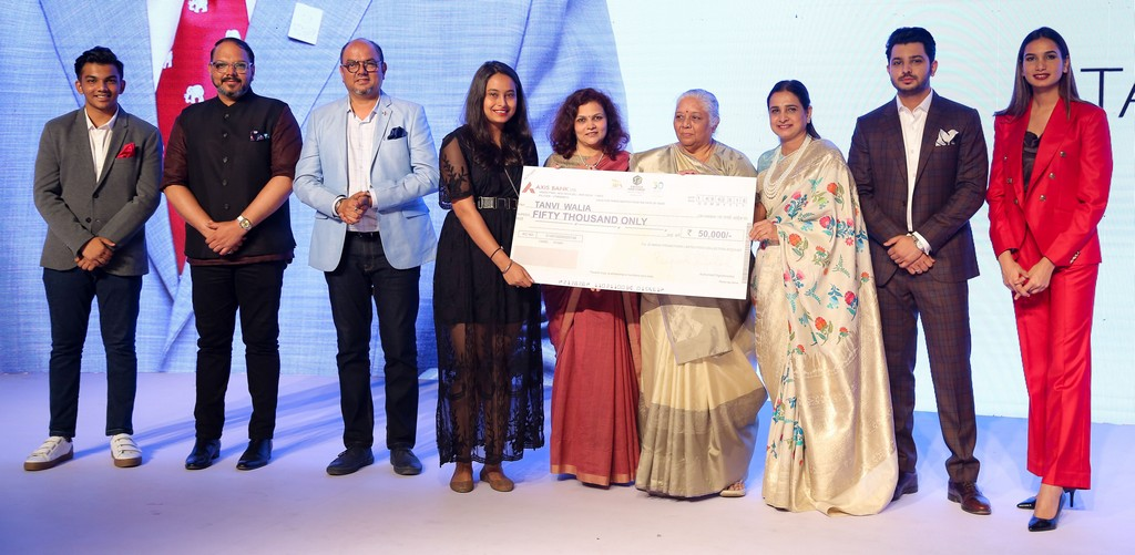 annual rc dalal and chandrakant dalal memorial award presented by jd institute of fashion technology - CHANDRAKANT DALAL MEMORIAL AWARD - ANNUAL RC DALAL AND CHANDRAKANT DALAL MEMORIAL AWARD PRESENTED BY JD INSTITUTE OF FASHION TECHNOLOGY