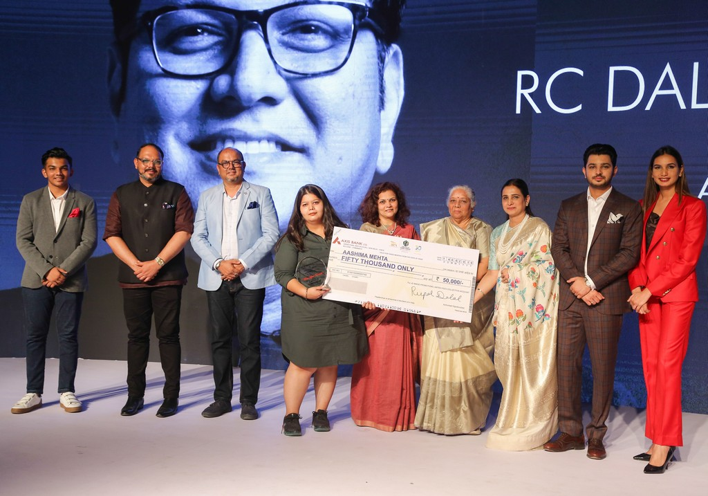 annual rc dalal and chandrakant dalal memorial award presented by jd institute of fashion technology - RC DALAL MEMORIAL AWARD - ANNUAL RC DALAL AND CHANDRAKANT DALAL MEMORIAL AWARD PRESENTED BY JD INSTITUTE OF FASHION TECHNOLOGY