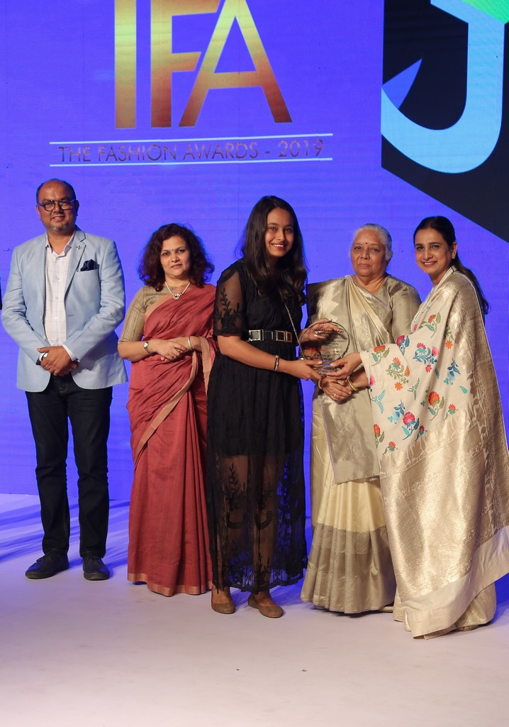 annual rc dalal and chandrakant dalal memorial award presented by jd institute of fashion technology - image - ANNUAL RC DALAL AND CHANDRAKANT DALAL MEMORIAL AWARD PRESENTED BY JD INSTITUTE OF FASHION TECHNOLOGY