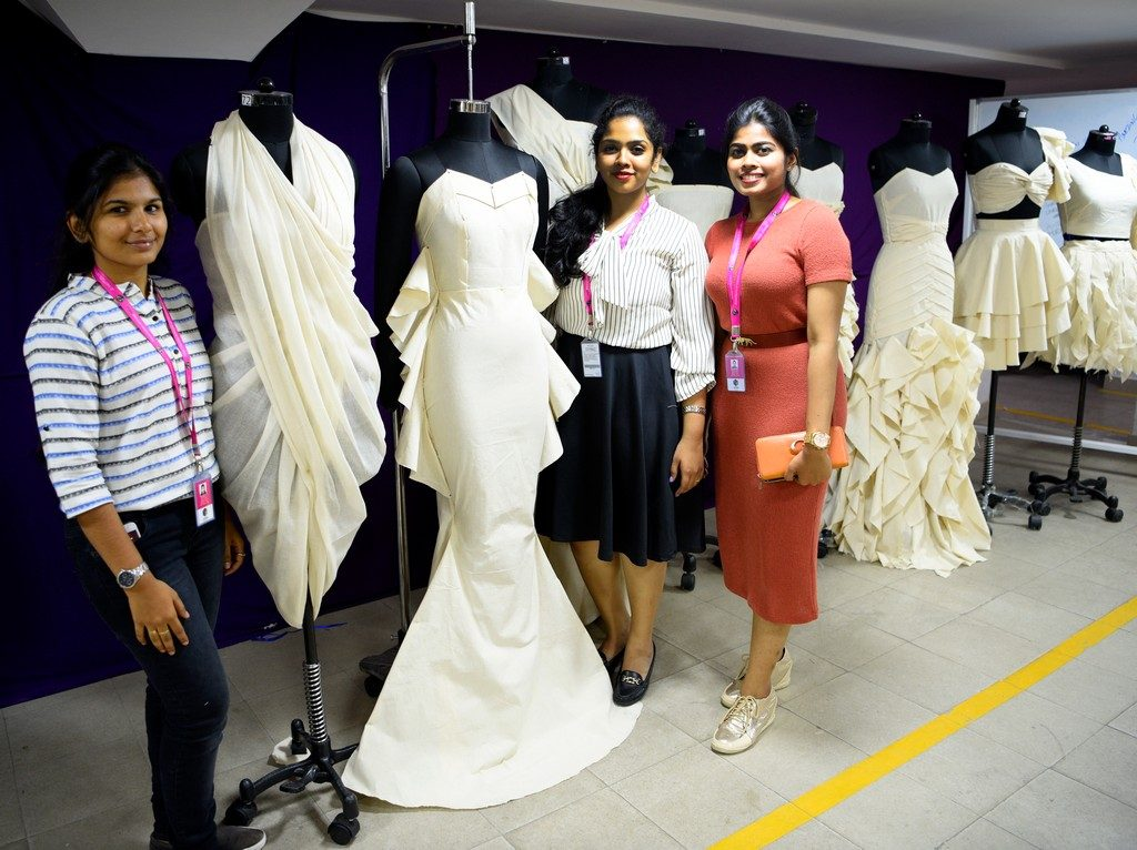 draping THE FINE ART OF FASHION DRAPING – FROM CONCEPT TO CREATION DSC0482 1024x766